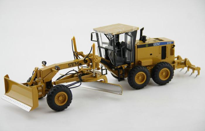 Scale Model, 1/35 Scale Caterpillar SEM 919 Motor Grader Diecast Model, CAT Grader Static model, finished model, display model.