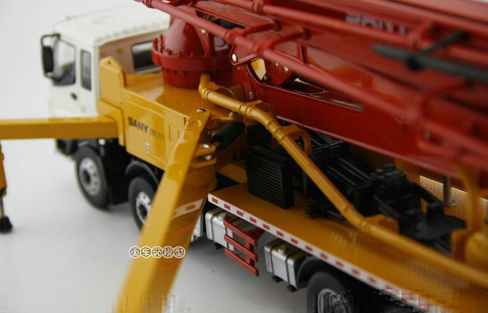 1/38 Scale Model SANY ISUZU Concrete Pump Truck Diecast Model, Construction Equipment Model, construction machines Model, Excavator scale model.