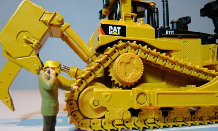 Norscot 55212 Caterpillar CAT D11T Track-Type Tractor Die-cast Model, Construction Machinery Static model, Rescue Truck finished model, display model.