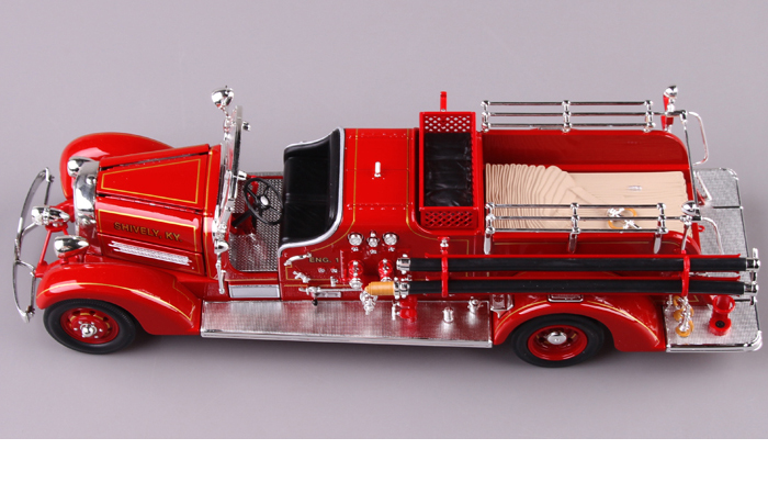 1/24 Scale Truck Diecast Model Lucky-Diecast 20178, 1938 AHRENS-FOX VC FIRE ENGINE Collection.
