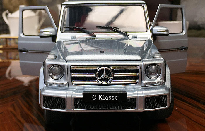 1/18 Scale Model Car, Mercedes-Benz G500 G-Klasse Zinc Alloy Diecast Model.