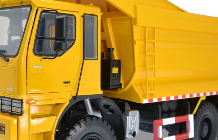 1/24 Scale Model XCMG Off-Road Heavy-Duty Dump Truck Construction equipment Diecast Model.