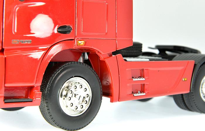 1/24 Scale Model XCMG Heavy Truck / Truck Tractor Trailer Diecast Model.