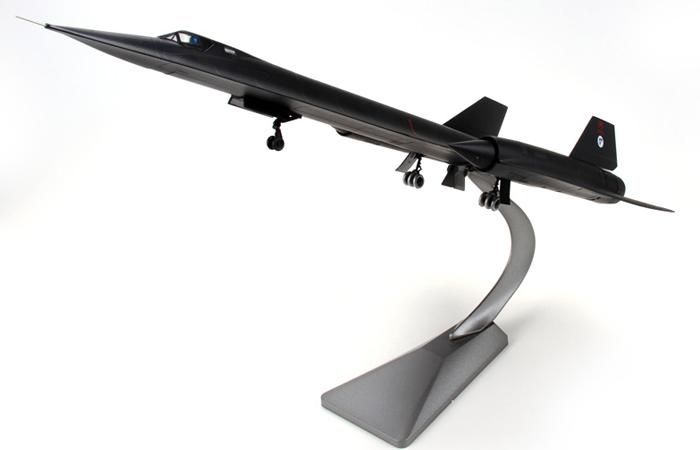 1/72 Scale Modern Military Aircraft Model, US SR-71A Blackbird Reconnaissance Plane Diecast Model.