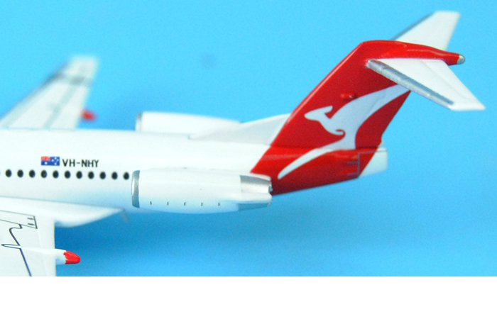 1/400 Model Airplane JC-Wings XX4204 Australian Airlines QANTAS LINK Fokker 100 VH-NHY Aircraft  Diecast Model Collectibles, Scale Model.