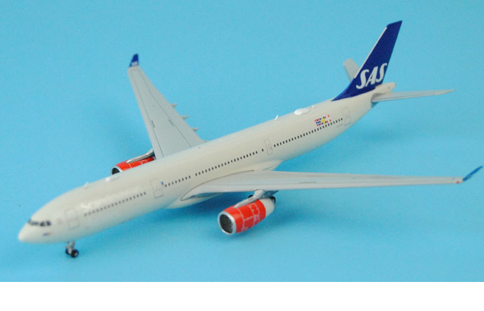 1/400 Model Airplane JC-Wings XX4302 SAS (Scandinavian Airlines) Airbus A330-300 LN-RKH Aircraft Diecast Model Collectibles, Scale Model.