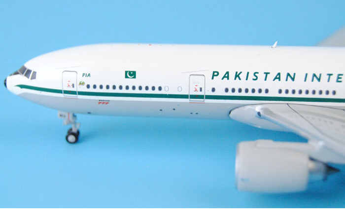 1/400 Model Airplane JC-Wings XX4308 Pakistan International Airlines PIA Retro Boeing B777-200ER AP-BMG Aircraft Diecast Model Collectibles, Scale Model.