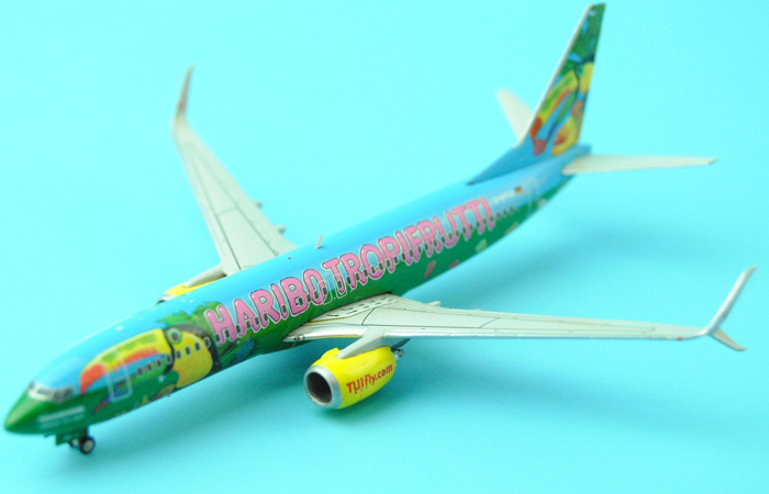 1/400 Model Airplane JC-Wings XX4369 Germany Tuifly Haribo Tropifrutti Boeing 737-800 D-ATUJ Aircraft Diecast Model Collectibles, Scale Model.