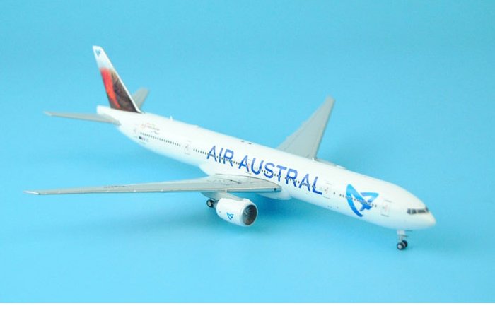 1/400 Model Airplane JC-Wings XX4685 Air Austral Boeing 777-300ER F-OSYD Aircraft Diecast Model  Collectibles, Scale Model.