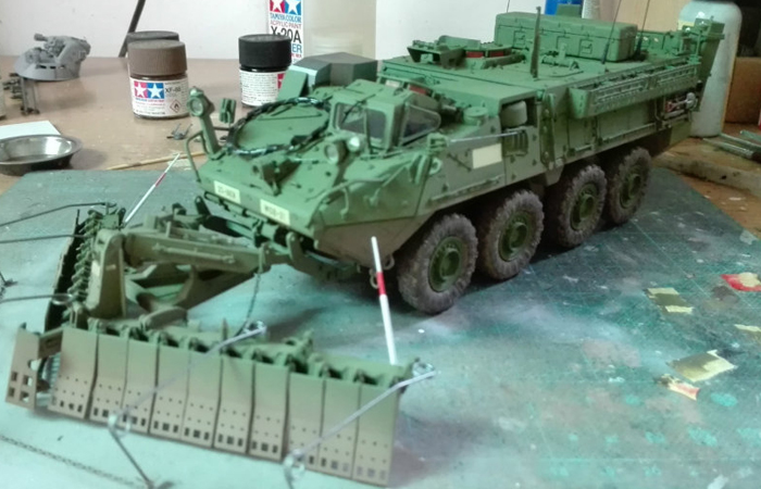 1/35 Scale Trumpet Plastic Model Kit 01575 M1132 Stryker Engineer Squad Vehicle With AMP/SMP.
