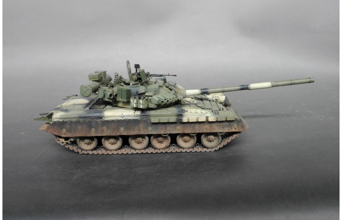 1/35 Scale Model Tank Finished Model Kit, M4A3E8 Sherman Fury Tank Model.