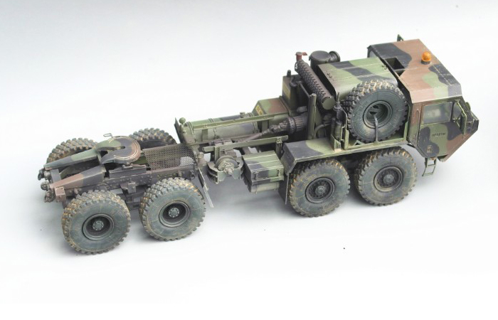 1/35 Scale Model Military Truck Finished Model Kit, Oshkosh M983 HEMTT Finished Model Kit.
