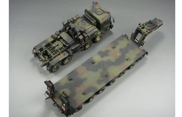 1/35 Scale TRUMPETER 00203 Plastic Model Kit Germany Faun SLT-56 (Elefant) Tank Transporter.