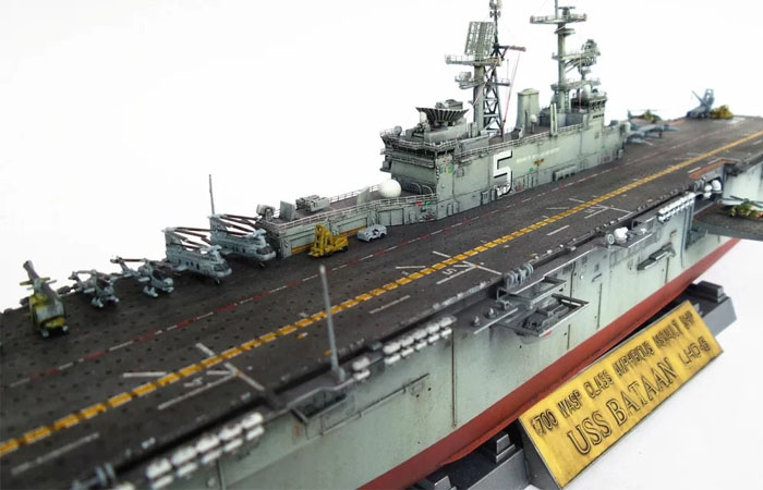1/700 Scale Trumpet Plastic Model Kit 83406 USS Bataan LHD-5 Wasp
