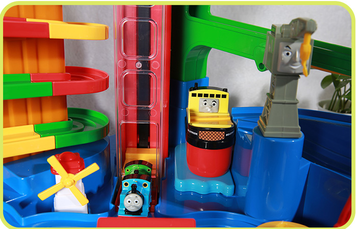 Gakken Thomas And Friends, Thomas Let's Go For Adventure Playset, Children's toys.