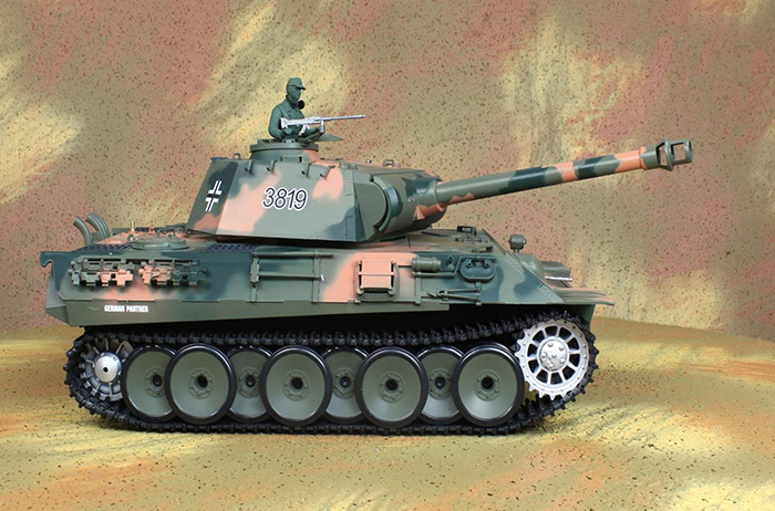 HENG-LONG Toys RC Tank 3819, World War II Germany Panther 1/16 Scale Model Remote control Tank,  Airsoft tank, military vehicles.