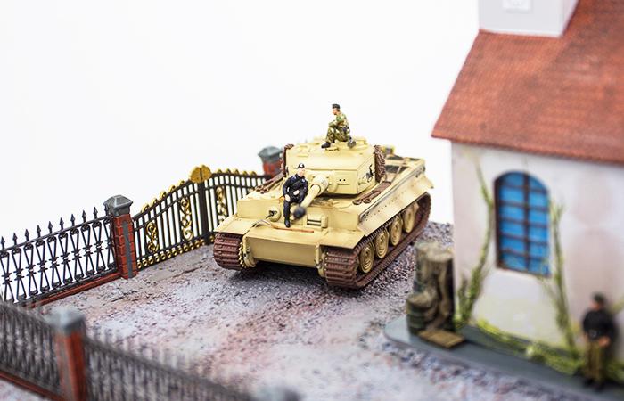 Precision Model Art PMA-P0210 WWII Malinava Counterattack Diorama, War Scenes Model Show.