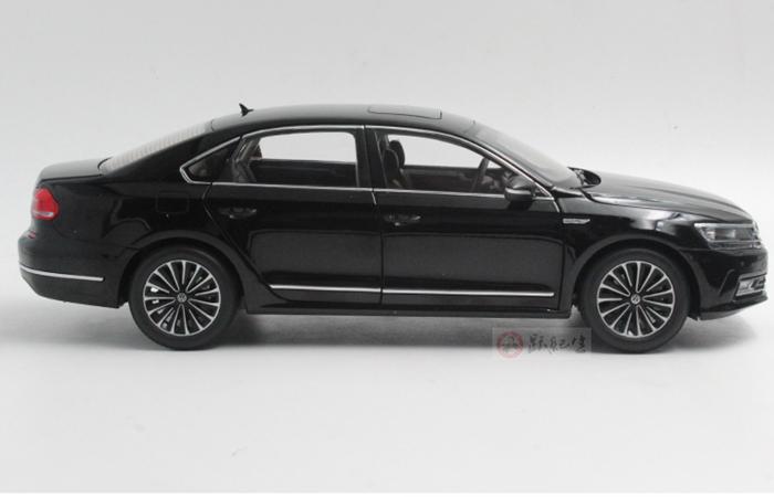 1/18 Scale Model Volkswagen 2016 NEW PASSAT GP Original Diecast Model Car, metal Scale model car, Gifts, toys, collectibles, Display Model, Static Model.