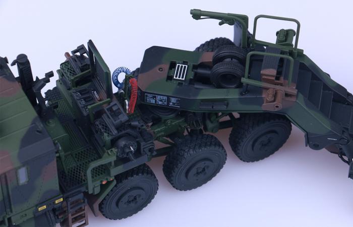 Oshkosh HET M1070 A1 with M1000 trailer Diecast Model ...