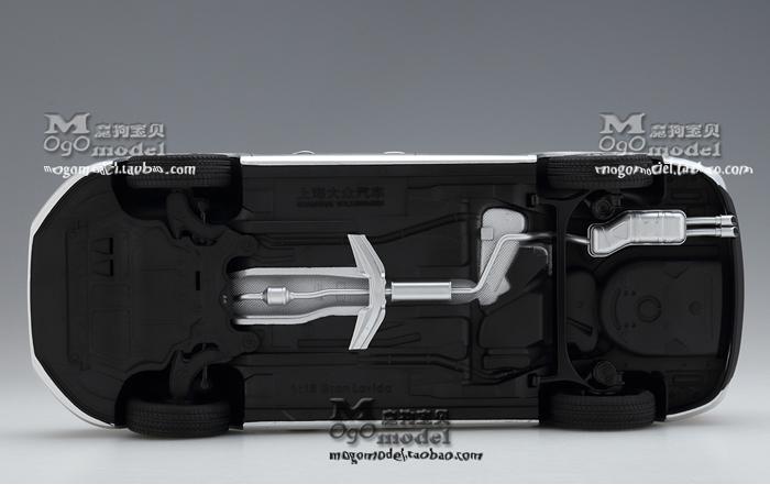 1/18 Scale Model Volkswagen Gran Lavida 2015 Original Diecast Model Car, metal Scale model car, Gifts, toys, collectibles, Display Model, Static Model.