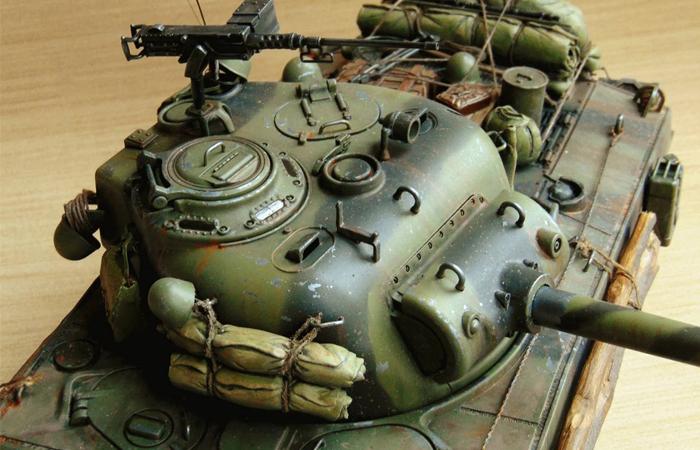HENG-LONG Remote Control Scale Model Tank 3898 US M4A3 Sherman FURY RC Tank.