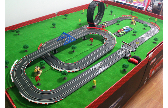 Remote Race Car Track Set
