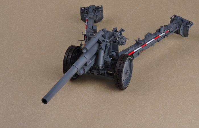 Merit Plastic Model kits 68603, 1/16 Scale Finished WWII German Weapon sFH 18 15cm Howitzer Static Model, World War II military model